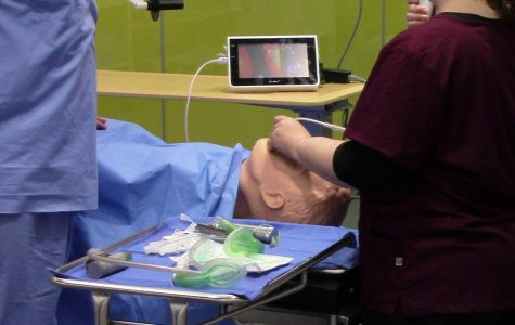 Nursing students train in new high-tech simulation lab