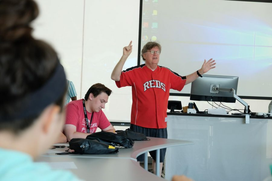Media professional Dean Hume begins an exercise with students.
